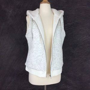 Merona Quilted Sleeveless Hoodie Vest Size Medium